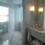Bow Suite 504