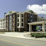 Photo de Holiday Inn Express Hotel & Suites Marion