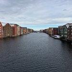 Photo de Old Town Bridge