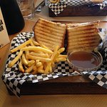Sandwich Choe con salsa de Roast Beef.
