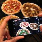 Prends ta pizza en photo et partage-là sur tes réseaux sociaux ! ;-)