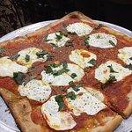 Foto de Sal's Brick Oven Pizza