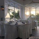 Foto de Upstairs Restaurant