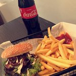 BBQ Burger, fries, sauce and a Coke - €10!
