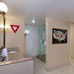 Foto de Holiday Inn Hotel & Suites Anaheim (1 BLK/Disneyland)