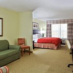 Country Inn & Suites by Radisson, Marion, IL