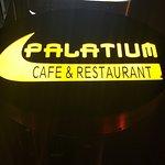 Foto de Palatium Cafe & Restaurant