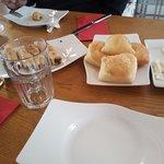 kahvaltı öncesi gelen taze ve sıcak yiyecekler