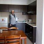 Фото 7. Кухонный уголок в гостиной