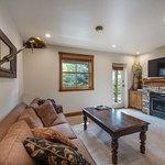 Jupiter Inn-Identity Properties. Studio, 1BR, 2BR vacation rentals in Park City Utah