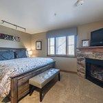 Jupiter Inn-Identity Properties. Studio, 1BR, 2BR Park City vacation rentals.