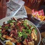 Chef Salat mit Poulet - Ein Genuss für den Gaumen und die Augen