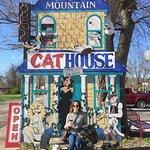 Foto de Smoky Mountain Cat House