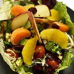 La VeggieStore : Pousses d'épinards, avocat, agrumes, cranberries, pommes