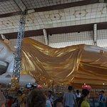 Statue au Shwethalyaung Buddha