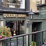 Фотография The Queens Arms