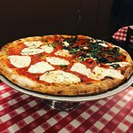 Φωτογραφία: Lombardi's Pizza