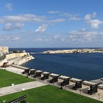 View from Upper Barrakka Gardens of the Saluting Battery of cannons !