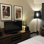 'Deluxe Harbor View' Club floor room w king bed