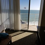 Photo de Radisson Suite Hotel Oceanfront