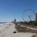 Photo de Carolinian Beach Resort