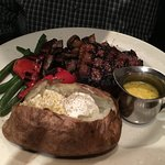 Top sirloin w/baked potato & Bearnaise sauce