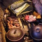 Buena comida típica de la isla, gran show de baile y el ambiente genial