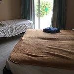 Le 3ème lit occupe le coin «salon» de la chambre... quand vous n'avez pas l'uti De ce lit ...