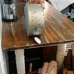 Rusty Nail Antiques-bild