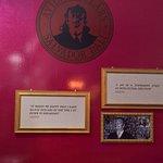 Salvador Dali Exhibition照片