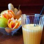Centrifughe di frutta fresca.