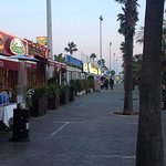 Restaurants all along the marina area & clubs line the pathway