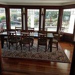 Cedar Cove Inn Bild