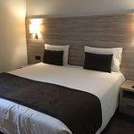 Hotel Pyrenees Photo