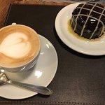 Torta de café e café com leite