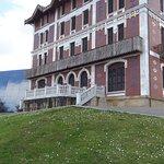 El Museo del Modisto Cristobal Balenciaga es otro mótivo para visitar Getaria.