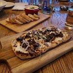 crab dip, bread & roasted mushroom flatbread