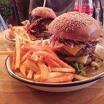 Double cheeseburger (+bacon)
