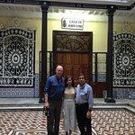 Con Maria y su esposo en la Casa donde Nacio San Martin de Porras