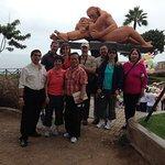 Con Christine y amigos de un Cruzero de Australia en el Parque del Amor , Miraflores-Peru