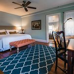 Chapman Cottage Luxury King Room 603