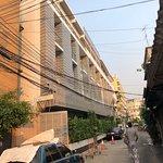 Foto de Ratchadamnoen Residence