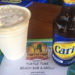 Foto van Turtle Time Beach Bar & Grill