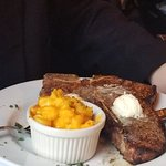 Foto de Don Hall's Old Gas House Restaurant & Bar