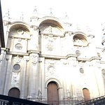 Photo de Cathedral and Royal Chapel