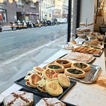 Encas salés du jour - Pastilla marocaine (poulet/amande), mini pain thon crudités, briques