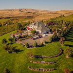 CHM, a luxury destination in Walla Walla, WA, features swimming pool and peaceful country settin
