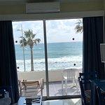Foto de Paphinia Sea View Apartments
