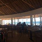 Excelente atención, deliciosa comida, hermosa vista al mar! Gracias Capi Fidel, capi Sebastián y