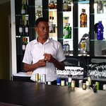 Bar and Bar Tender Demoy